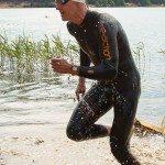 Дмитрий Ильин выходит из воды