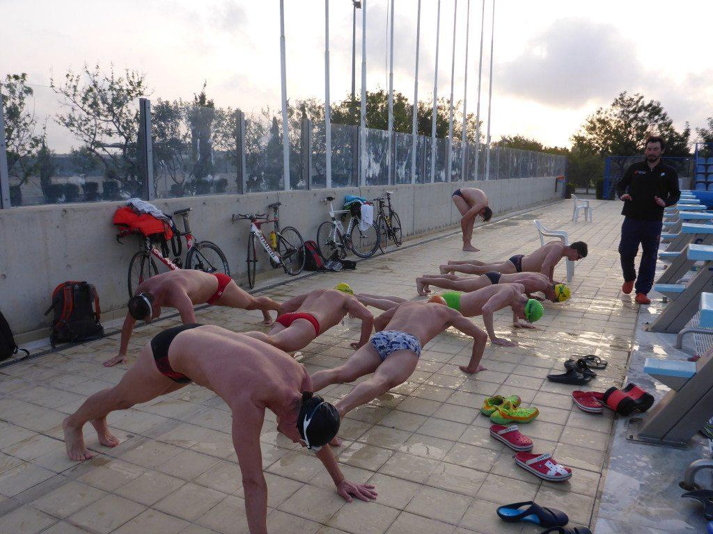 Силовая тренировка в бассейне