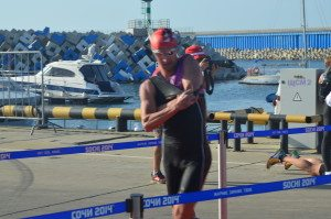 Триатлон в Сочи выход из воды