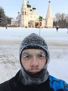 Бег в мороз по улице