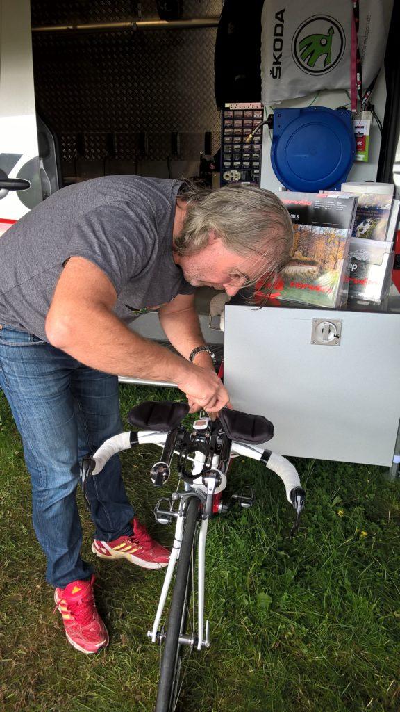 Обслуживание велосипеда перед стартом