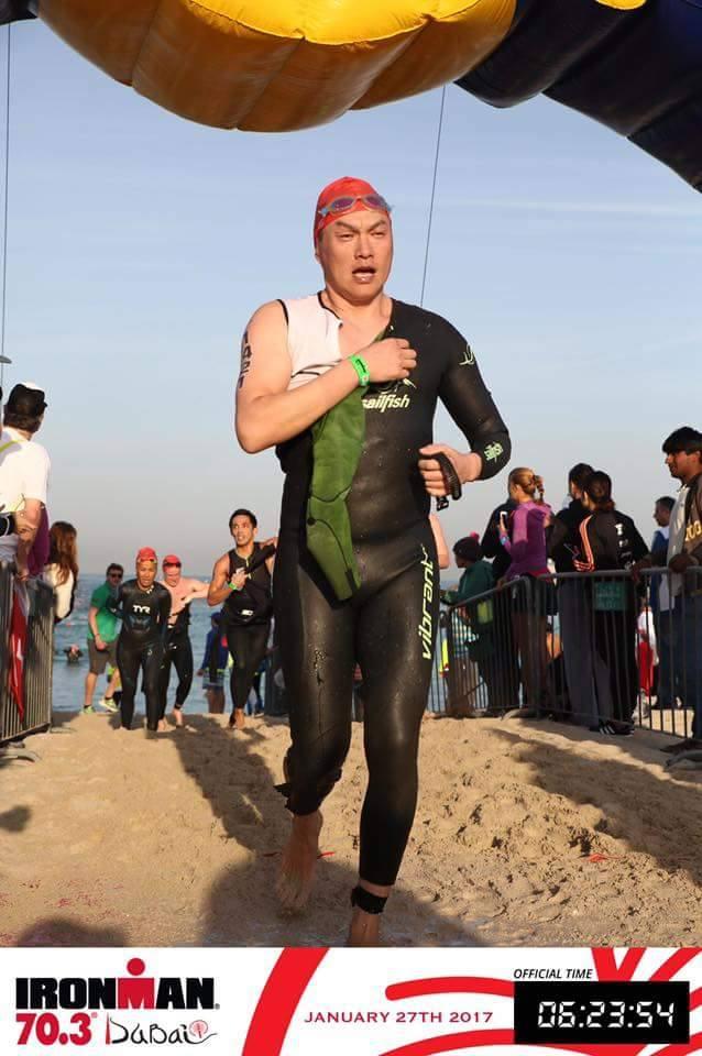 Ironman 70.3 Dubai выход из воды