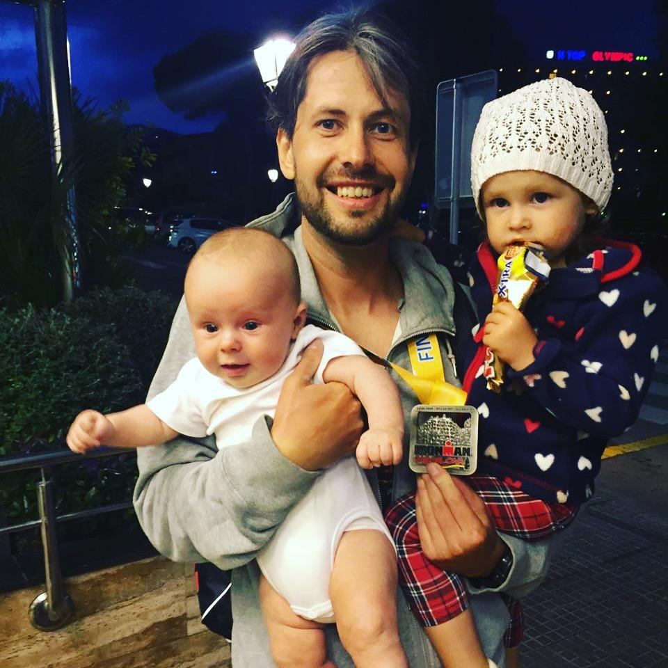 Александр с семьей