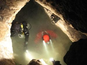Юрий Базилевский погружение в пещеру