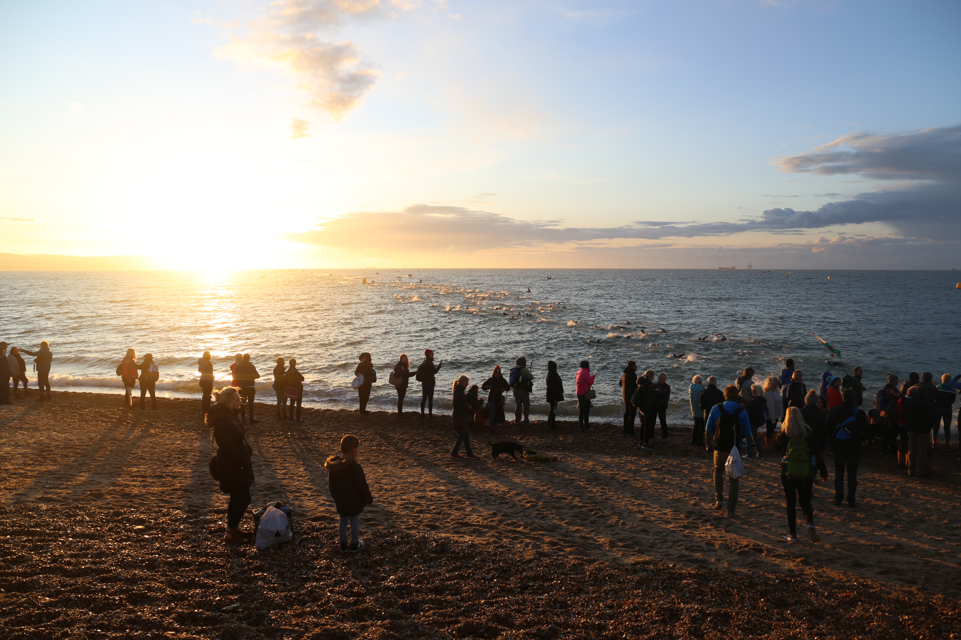 Старт плавания на Ironman 70.3 Weymouth