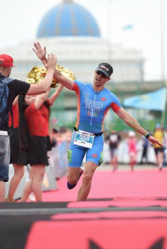 Финиш на Ironman 70.3 Astana
