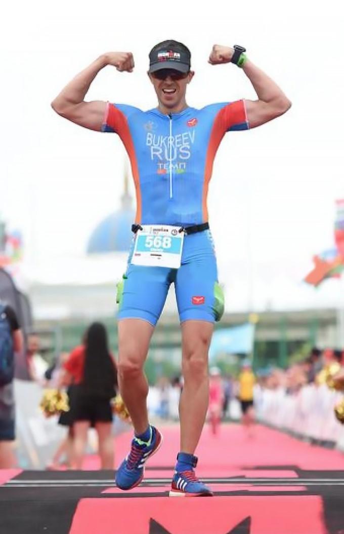 Финишная черта на Ironman 70.3 Astana