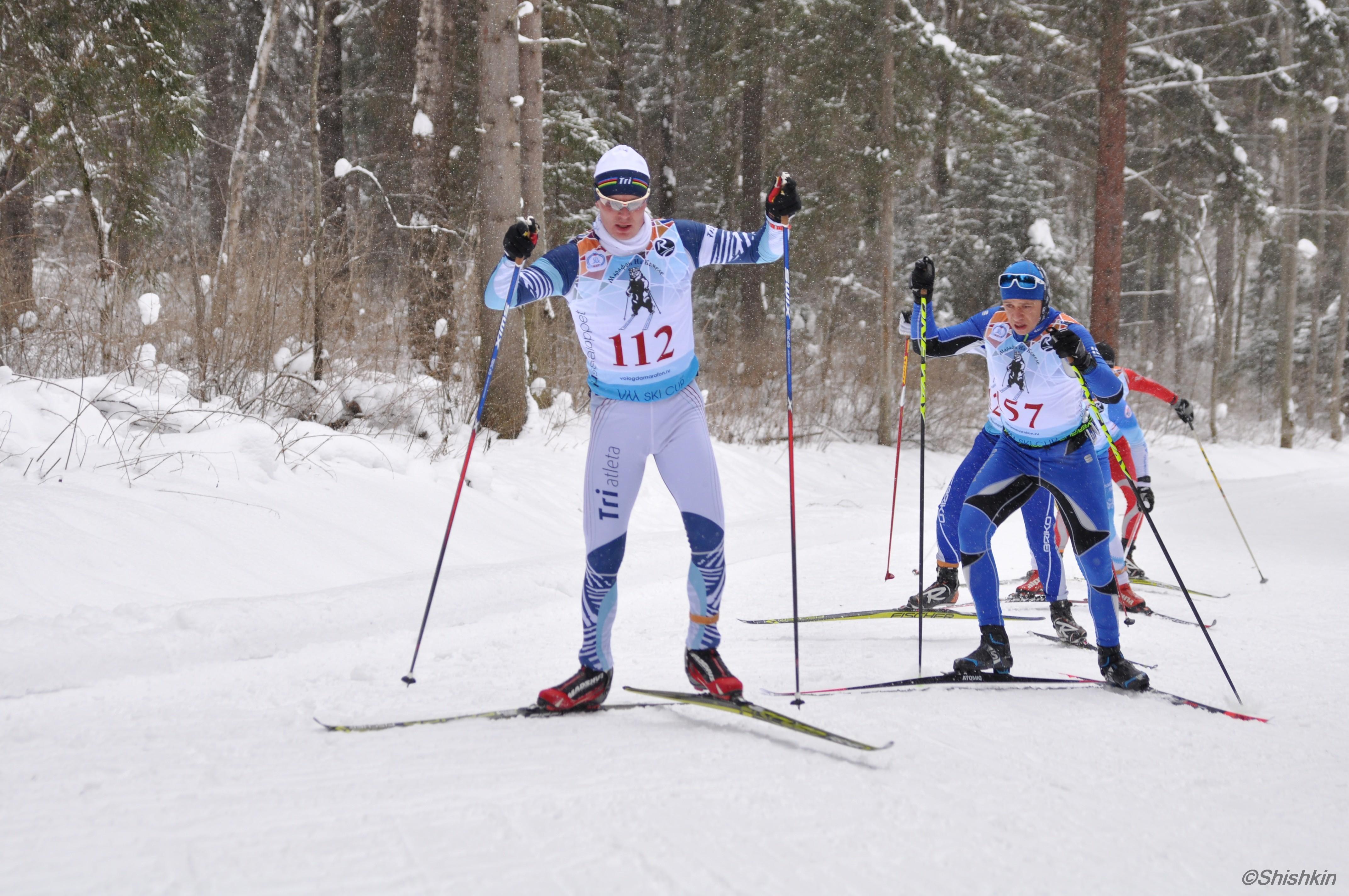 Подъем на трассе лыжного марафона в Вологде