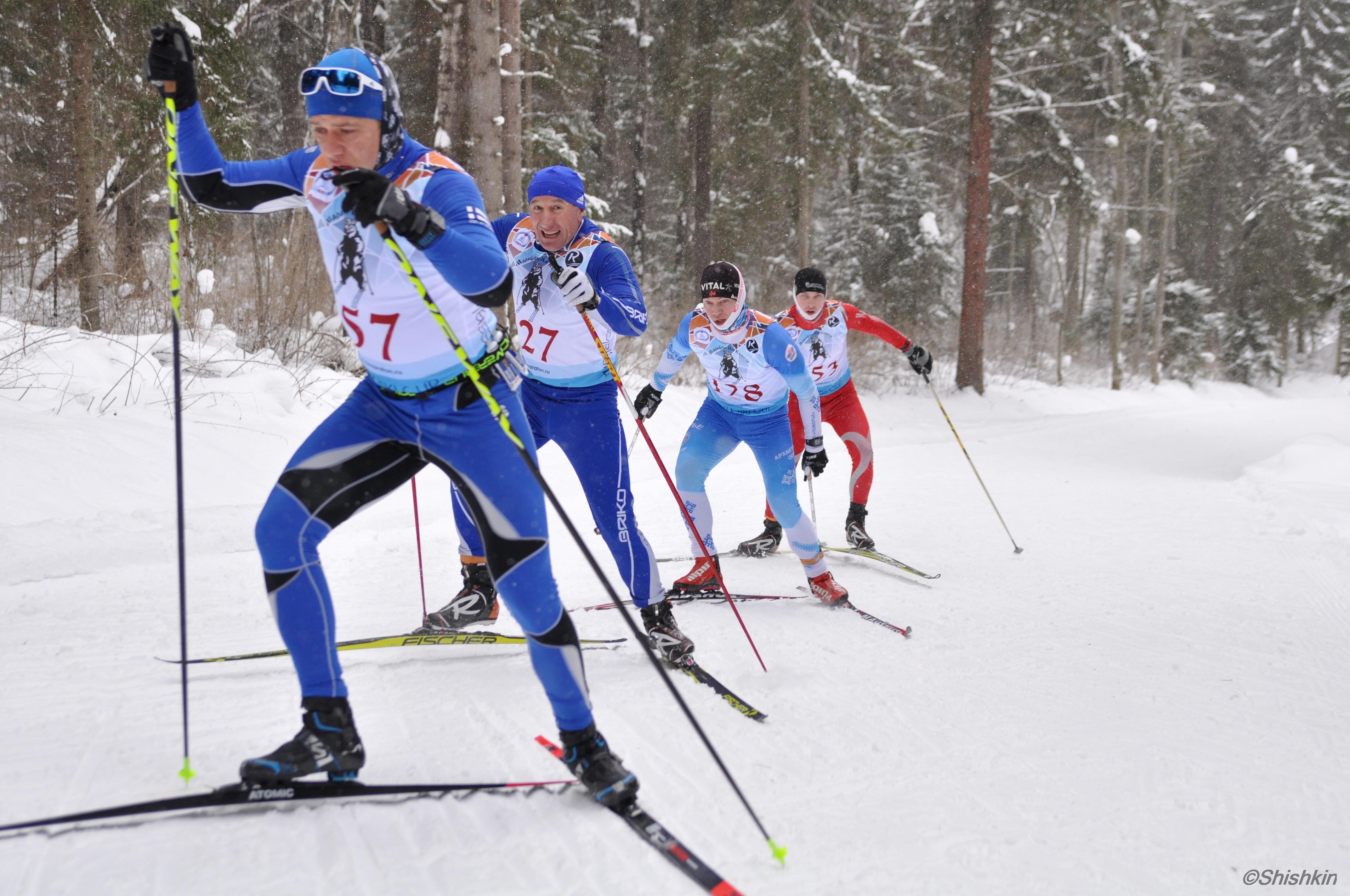 Работа группой на трассе лыжного марафона в Вологде