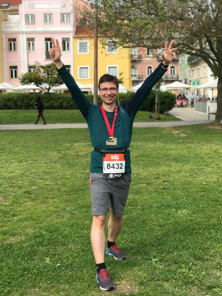 С медалью полумарафона в Лиссабоне